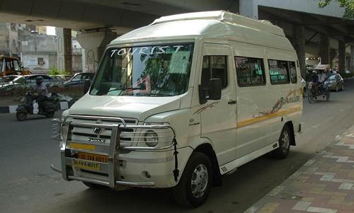 12 Seater Tempo Traveller