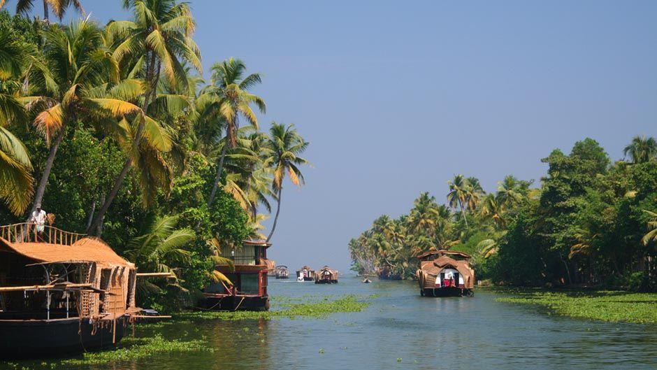 IN-Kerala-_Backwaters_boats_KTB_940_529_80_s_c1