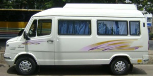 14 seater tempo traveler, group trip to Manali