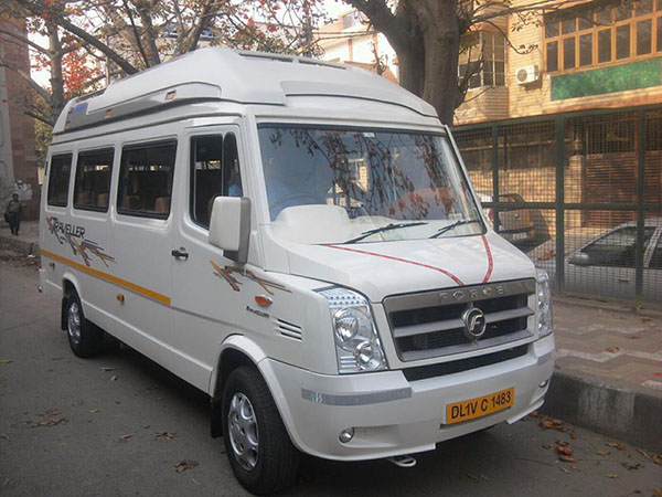 Tempo Traveller Hire for Delhi Site Seeing
