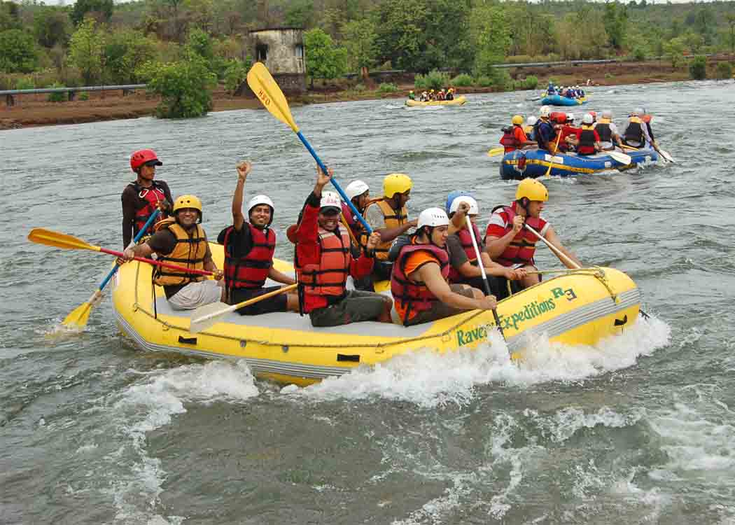 Enjoy River Rafting Adventure in Manali