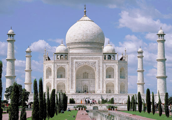 Most Beautiful Wonders of the World – The Taj Mahal