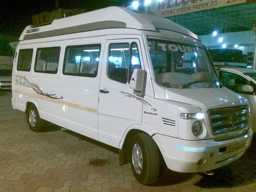 15 Seater Tempo Traveller Rental