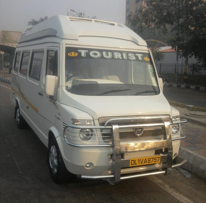 12 Seater Deluxe Tempo Traveller Hire