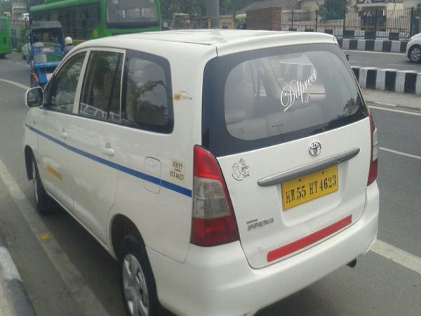 Choosing the best car rental service in Delhi
