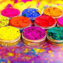 Awesome destinations for celebrating holi in style this year