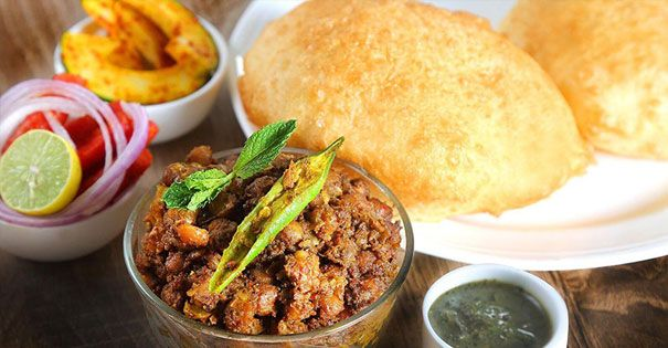 7 Best places to eat Chola Batura in Delhi