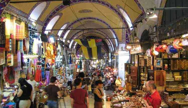 Best Budget-Friendly Street Shopping Places In Mumbai