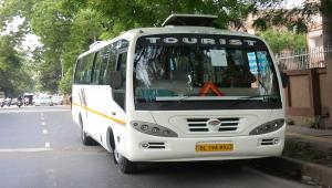 18 Seater Minibus