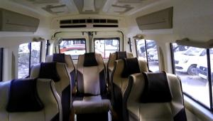 8+1 Seater Luxury Tempo Traveller