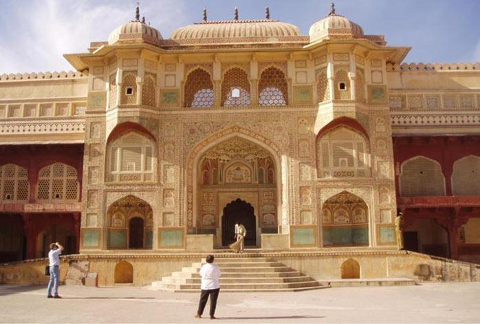 Delhi - Alsisar - Jaipur - Agra - Delhi