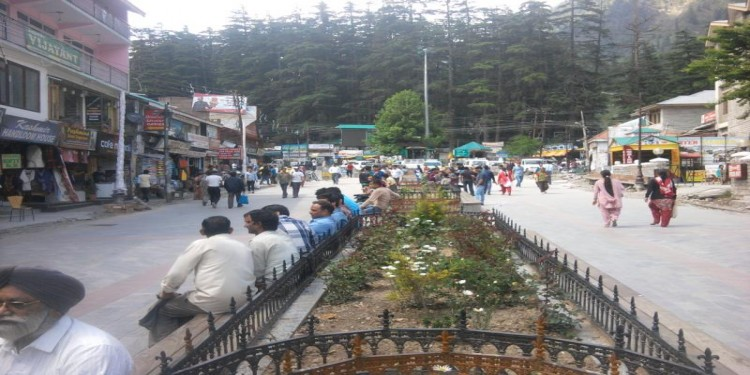 Manali Mall Road Picture