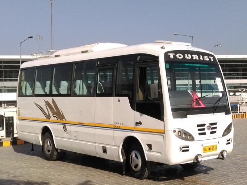 18 seater minibus picture