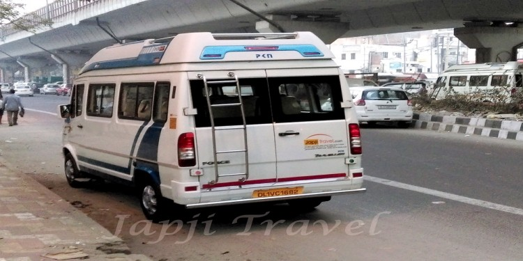 8 Seater Tempo Traveller