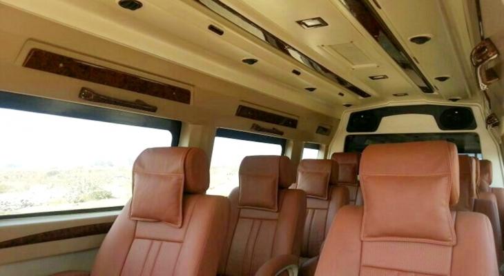 9 Seater Luxury Tempo Traveller