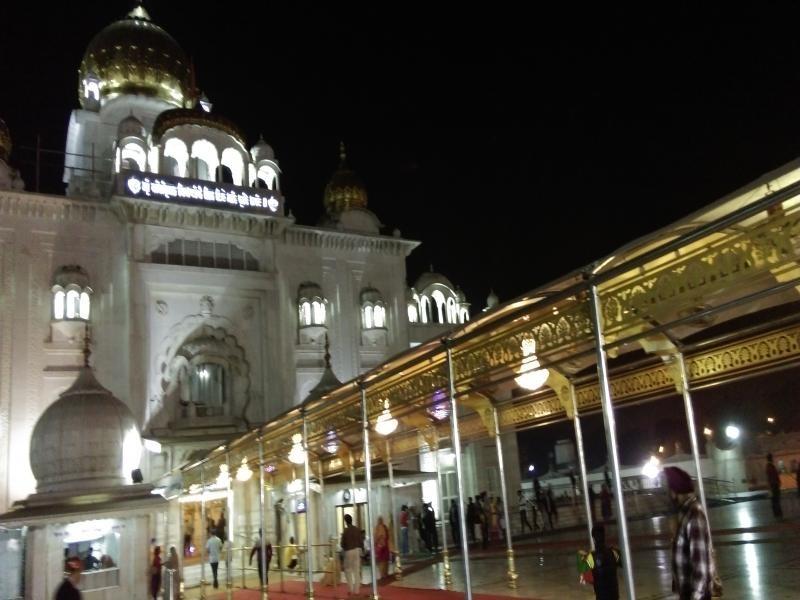 Bangla Sahib Gurudwara in Night