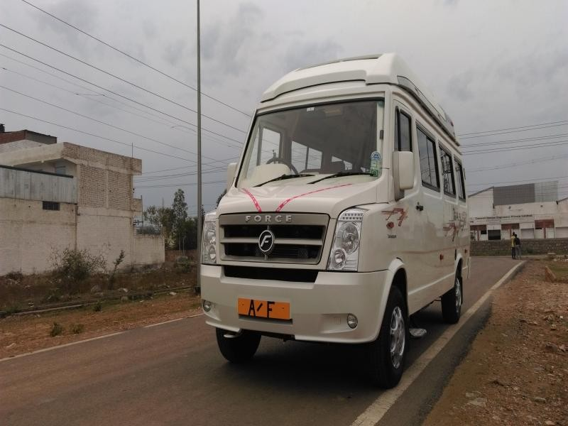 Maharaja seating tempo traveller delhi
