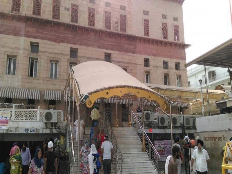 Gurudwara Sis Ganj Sahib Outside Images
