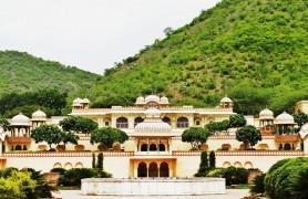 Sisodia Rani Palace and Garden Jaipur