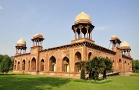 Tomb of Mariam-uz-Zamani Agra