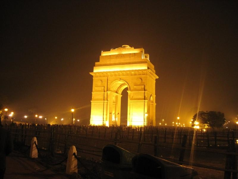 Japji Travel india gate Picture in june month