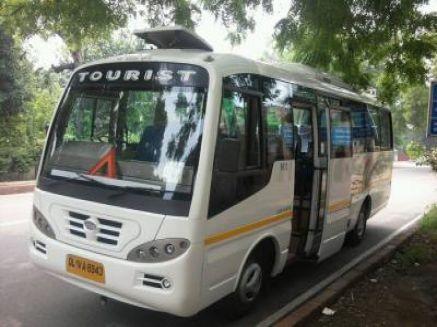 18 Seater Luxury Minibus Rentals Delhi