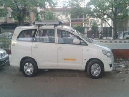 Toyota Innova Car Rentals in Delhi