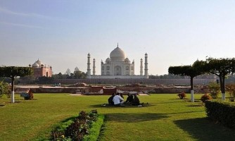 Taj Mahal Day Trip From Delhi by Car