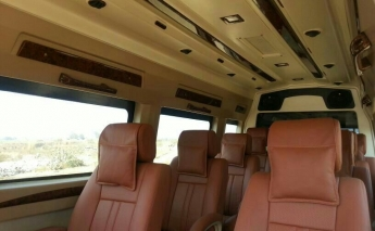 9+1 Luxury Tempo Traveller