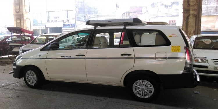 Delhi Gurgaon Route Innova Rental