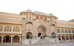 3 Days Agra Jaipur Tour by Tempo Traveller