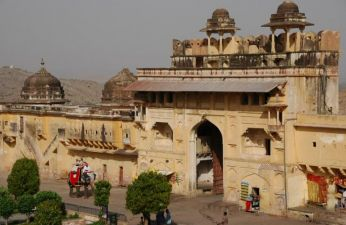 Agra Jaipur Taxi Fare For 2 Person