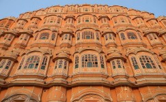 2 Days Jaipur Tour By Tempo Traveller