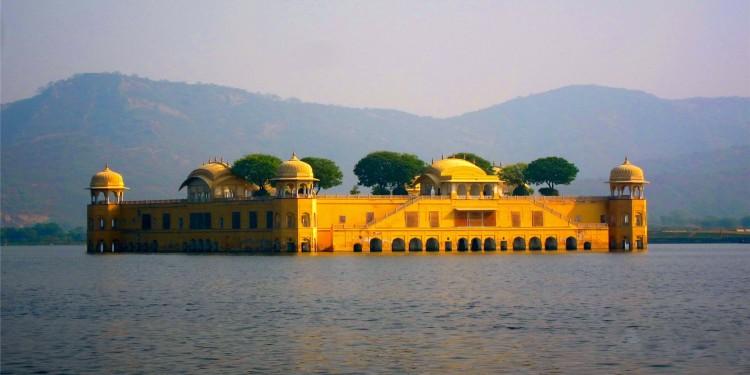 Jal Mahal , Jaipur City