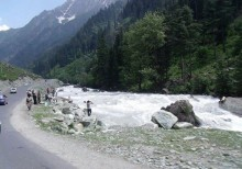 3N 4D trip to Kashmir with Family