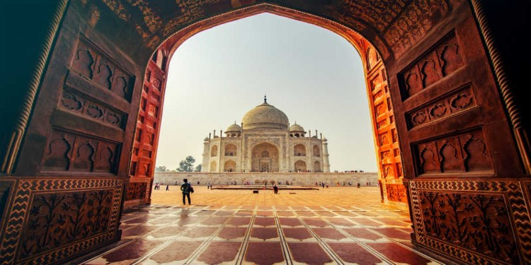 Delhi Shimla Manali and Agra Tour Package